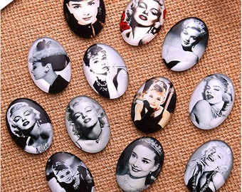 Set of 5 Cabochons movie actresses
