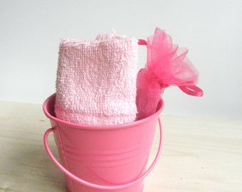 Baby Shower Favor Sample . Party Favor mini soap and  Soap massage glove in a bucket . Baby Shower Favor Soap and soap pouch in a bucket .