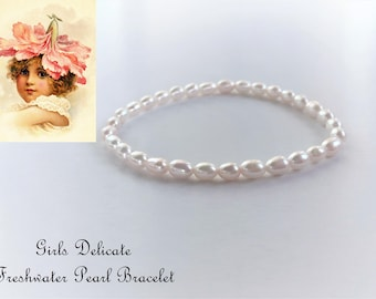 Girls Pearl Bracelet, Communion Bracelet, Christening Bracelet, Baptism Bracelet, Confirmation Bracelet, Flower Girls Bracelet