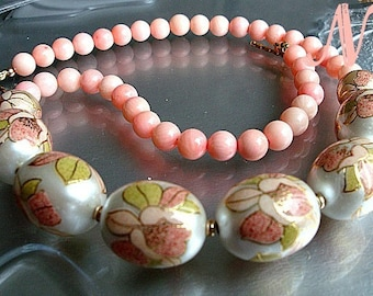 Japanese Tensha Coral Necklace. Pink Coral Necklace. Beaded statement necklace. Japanese Tensha jewelry. Floral style pink necklace.