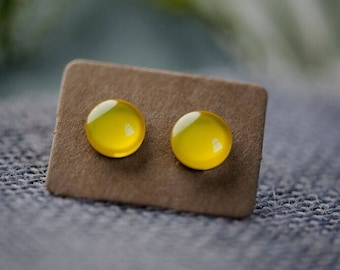Pastel Yellow Glass Earrings - Surgical Steel Hypoallergenic Yellow Studs - Free Postage Sensitive Earrings