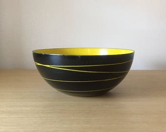 """8"""" yellow and black cathrineholm bowl"""
