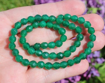 4 round Emerald beads faceted 6 mm AAA. TU98