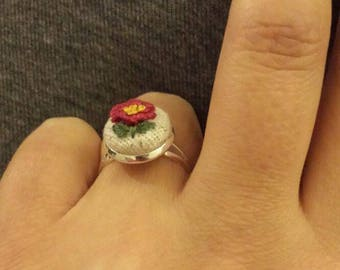 Red rose embroidery ring!