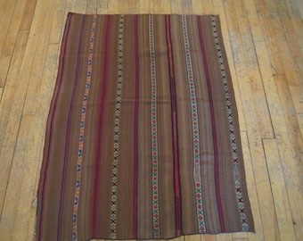Bolivian shoulder cloth