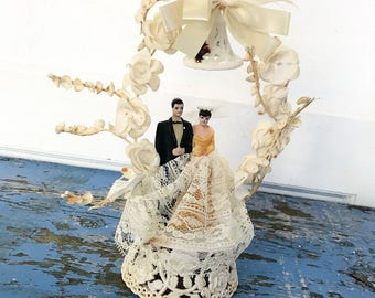 Vintage Wedding Cake Topper Plastic Bride Groom Millinery Flower Arch Satin Bow Glittery Bell Lace Dress