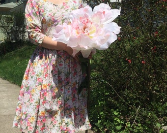 Vintage Floral Cotton Dress with Full Skirt