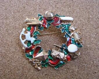 Festive enamel Christmas holiday wreath brooch pin