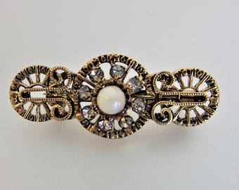 Pretty Vintage Filigree Gold Tone Faux Pearl Rhinestone Brooch Pin
