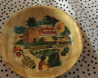Platter and Salad bowl set souvenir kitsch with Welcome to Queensland