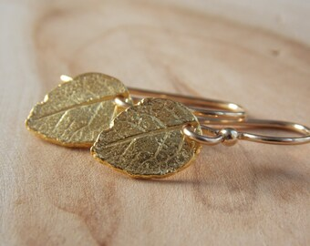 Gold Leaf Earrings / Leaf Earrings / Small Gold Earrings / Rustic Earrings / Rustic Earrings / Flower Petal Earrings / Leaf Jewelry/ Leaf