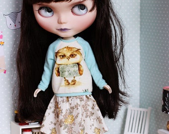 Apple The Owl - Super cute raglan sweater with an owl and long flower skirt for Blythe - by Icantdance