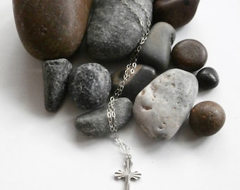 Cross Necklace - Silver Cross - Vintage Jewelry - Cross Pendant