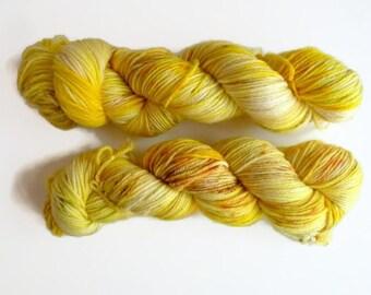 """Merino wool in DK, """"Los Girasoles"""" hand dyed - 100%Superwash merino yarn, new Oveja y Punto base"""