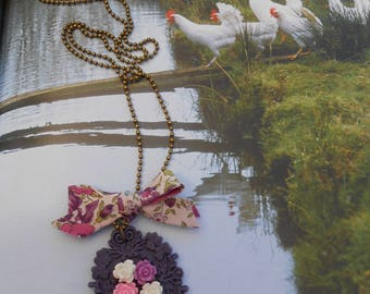 "Necklace ""frame the rose garden"" resin ribbon pin and cabochon"