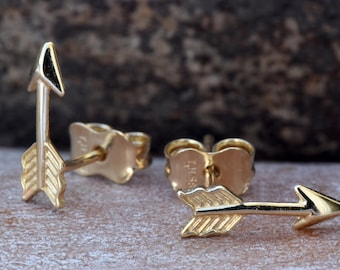 Arrow Earrings yellow gold 14k-Minimalist earrings-Yellow Gold Earrings-Stud Earrings-Graduation gift-Tiny Stud Earrings-Birthday gift