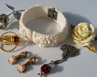 Vintage Rose Themed Jewelry Lot