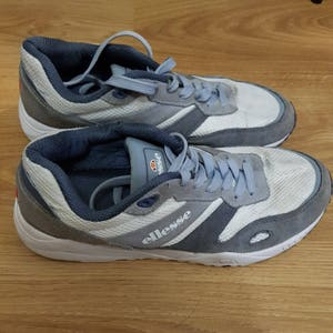 Vintage 90s Ellesse trainers retro