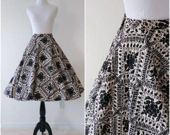 Vintage 1950's Black and White Quilted Circle Skirt | 1950's Quilted Skirt | Novelty Print Circle Skirt |