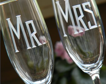 Personalized MR & MRS Champagne Toasting Flutes, Set of 2
