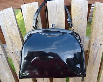 SHINY BLACK/////Vintage 60s Black Patent Handbag/Purse