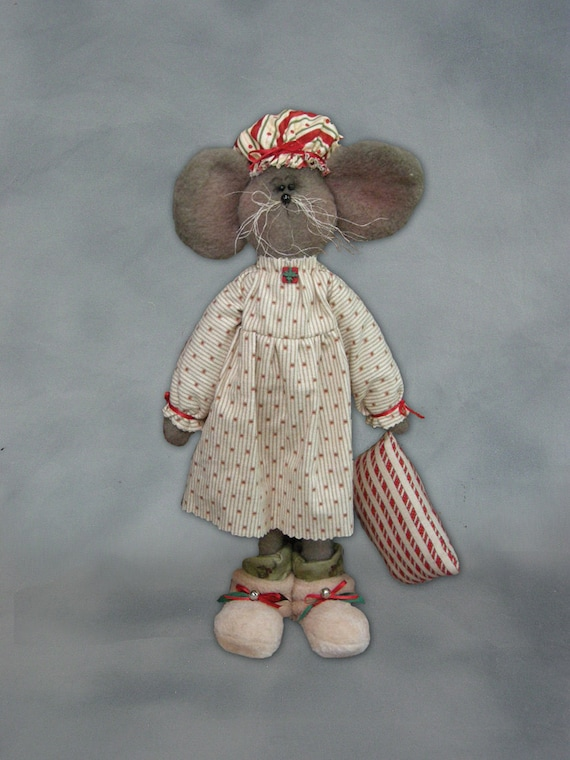 """Pattern: Courtney -19"""" Mouse Girl - Christmas"""