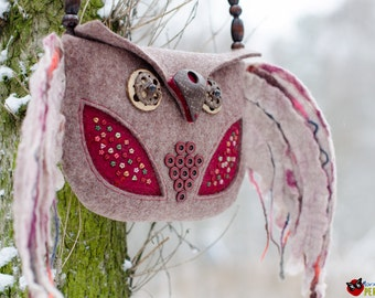 "Designer handbag handmade boho style ""Owl with colored plumelets"""