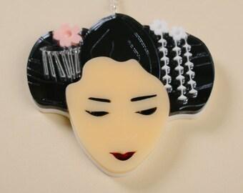 Acrylic Geisha Necklace
