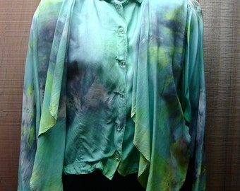 Vintage 1980s Boho Style Loose Oversized Layered Rayon Blouse in Sea Green Mist