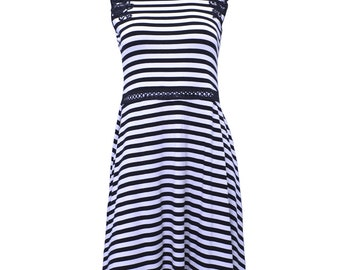 Striped dress with lace applique shoulder 0124