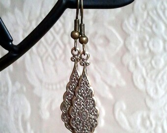 FREE SHIPPING Clearance SALE - Deco Brass Earrings Victorian Vintage Look Scalloped Dangle Antique Brass Lightweight Metal Teardrop Earrings