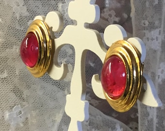 Simple Design Raspberry Hued Lucite Domed Earrings Clip On Unsigned 1970's 1980's Gold Tone Setting Oval Shaped Jelly Belly