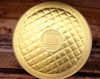 Vintage Guildcraft Golden Country Inn Fruitcake Tin, bight gold ton tin, Made in USA, keepsake tin, storage tin, decor tin