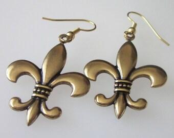 Fleur De Lis Earrings, French Lily, Brass Earrings, Antiqued Gold, Metal Dangle Earrings, Coat of Arms, Renaissance Jewelry