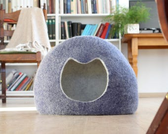 Felted cat house, cat bed, cat cave, cat shaped bed, wool cat house, sleeping place, pet lovers gift, Christmas hauswarming gift for pets