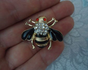 Vintage Bee Brooch, Gold Tone w/ Black Enamel and Rhinestone Accents