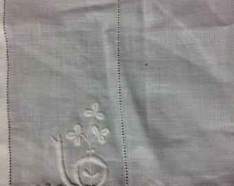 18-inch Linen Square with Handwork