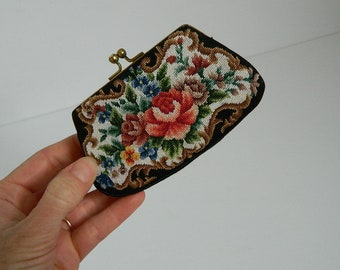 Small Vintage Floral Embroidery Change Purse
