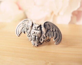 Flying Owl-Aged brass-adjustable-steampunk-hauted couture-Victorian-edgy chic- statement-armor ring V060