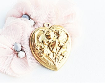 golden pendant, golden heart pendant, vintage golden pendant, vintage heart pendant, vintage golden heart pendant,