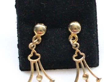PE # 114 Vintage Gold Tone Baroque Renaissance Look Dangle Drop Earrings