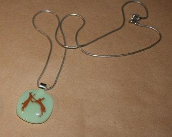 La faune Silhouette imprimé collier de verre