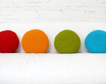 Round Pillow Crochet- orange