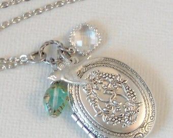 Green Sparrow,Locket,Antique Locket,Sparrow,Bird Locket,Bird Necklace,Silver Locket,Goddess,Peridot Necklace,Green Locket,Valleygirldesigns.