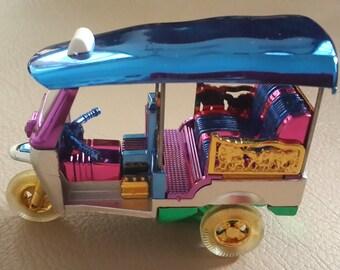 Car Model (Tuk Tuk) (Model  S size 6 x 8 cm)