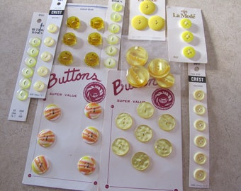 BUTTON LOT YELLOW, 10 Cards Vintage Buttons
