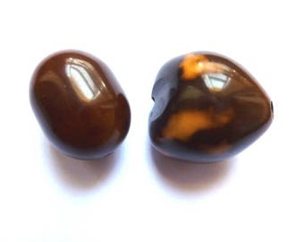 2 large Brown ethnic effect beads