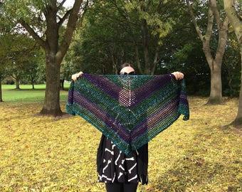 Gothic scarf / Halloween / crochet scarf / triangle scarf / crochet / autumn / fall / winter / goth / shawl / green / purple / creepy /
