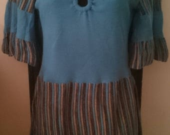 1970s Vintage cornflower blue v-neck knitted top with flared sleeves and ring detail to front