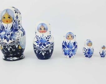 Russian Nesting Doll Matryoshka 5 Pc Set Signed By Artist Blue And White Babushka